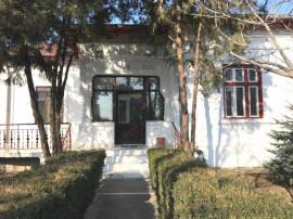 GARA - Casa cu teren ideal birouri