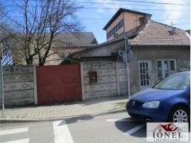Casa veche situata in Alba Iulia, zona Centru strada Luminii
