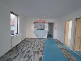 Apartament cu 3 camere | Central | Gradina Propie