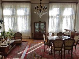 Apartament trei camere in cladire cu valoare istorica zona P