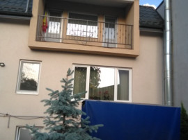 Casa cu 5 cam.in zona Unirii Voinicenilor