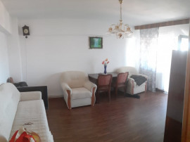 Apartament 3 camere Faget decomandat 72000 EURO