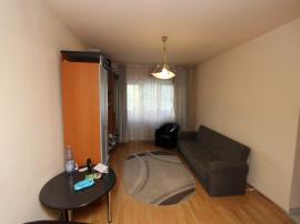 Apartament cu 2 camere, Centrul Civic, etaj intermediar