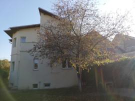 CAMPINA - ultracentral - casa P+E - 180000 Euro/Neg.