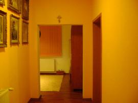 Inchiriez Apartament 2 Camere Zona Oncea Complet