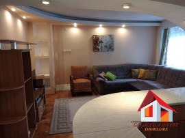 Apartament 4 camere - zona centrala