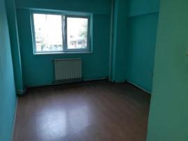 Apartament 2 camere,zona Buzaului,etaj 1,id 13235