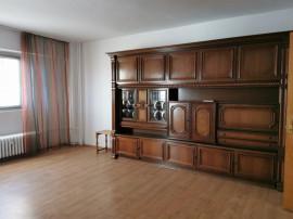 Apartament 3 camere, decomandat, Pta. Victoriei, metrou, ult
