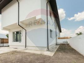 Casă / Vilă cu 4 camere de vânzare în zona Otopeni Odai