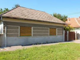 Casa 4 camere in Osorhei, zona centrala, s.t.=987 m.p.