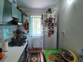 Apartament 3 camere, etaj 1, zona Primaverii-Aleea Nucului