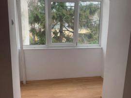 Apartament 2 camere, renovat, etaj 2, Magazinul Ionut