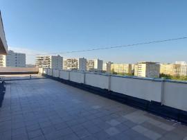 Baba Novac - Dristor garsoniera cu acces la terasa blocului