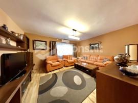 Apartament cu 3 camere | zona Nasaud | 1/8 | 73mp + garaj