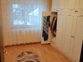 Apartament 3 camere Bartolomeu, decomandat, etaj 1, renovat