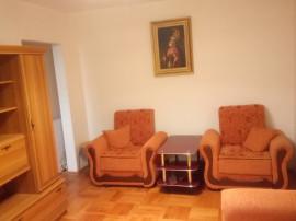 Inchiriez apartament 2 camere, zona Boul Rosu