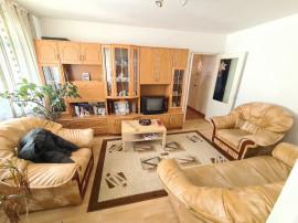 Apartament 3 camere in Campina,etaj 3/4, central, mobilat !