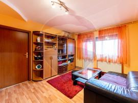 Apartament cu 3 camere de vânzare în zona Aurel Vlaicu