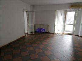 Unirii - Sfanta Vineri - Coposu, 3 camere, 2 balcoane, etaj