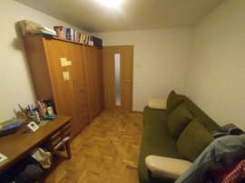 3 camere Centrul Civic, decomandat, 2 gr. sanitare, 76.000€