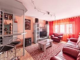 Apartament cu 3 camere de vânzare în zona Alfa