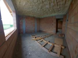 Casa 4 camere, P+1E+POD depozitare-izolat-teren generos-Brag