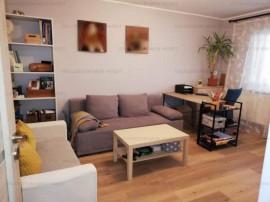 Apartament 3 camere, etaj intermediar, zona Racadau