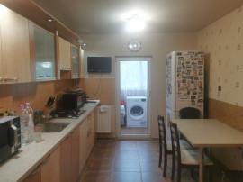 Apartament 2 cam La Cheie Etaj 1/Decomandat Rogerius
