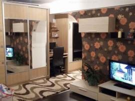 Inchiriez apartament 2 camere,et,1,parcare, mobilier modern