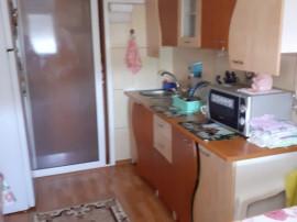 Apartament cu doua camere, Tiglina 2, pret negociabil.
