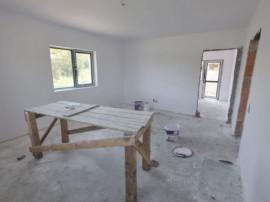 Casa individuala, parter generos cu pod depozitare, 3 camere