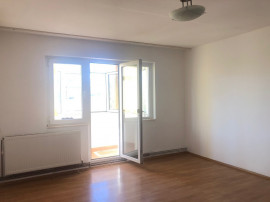 Apartament 2 camere, Trivale, et 2
