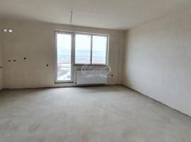 Apartament cu 3 camere si garaj, zona Sub Cetate