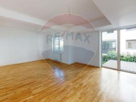 Apartament de vanzare 4 camere/gradina de 45 mp. Parcul C...