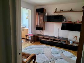Apartament 3 camere zona CENTRUL CIVIC
