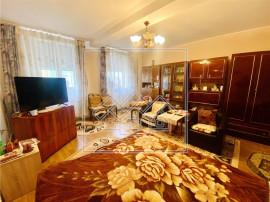 Ap la casa, 3 camere, pod si pivnita - zona Piata Cluj