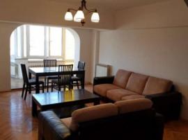 Apartament cu 5 camere de închiriat central