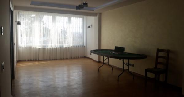 Apartament de lux 3 camere Radauti Central