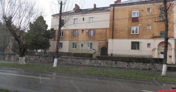 Apartament 2 Camere 49mp Decomandat Etaj 1 zona OM