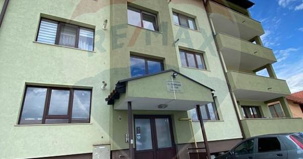 Apartament 4 camere de vânzare/83 mp/loc de parcare Flor...