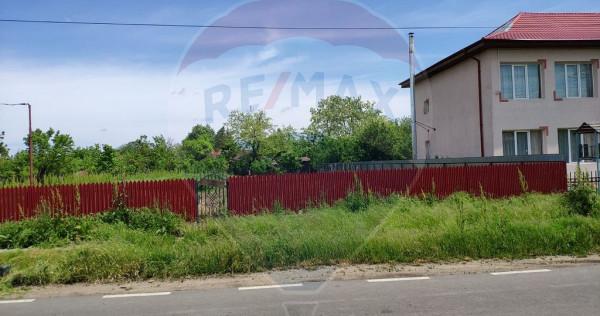 Teren 743mp Bogza / Strada Scolii