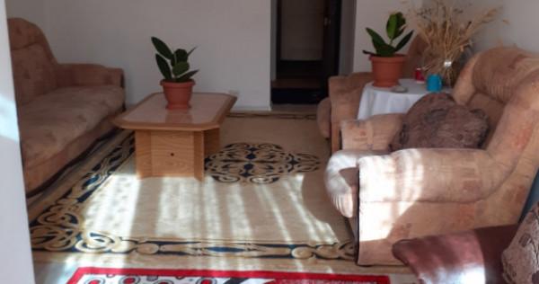 Apartament cu o cameră zona buna micro 4