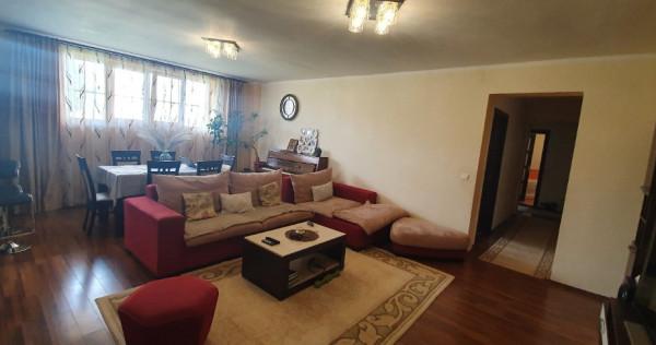 Apartament foarte spatios 3 camere 102 mp, Cetate