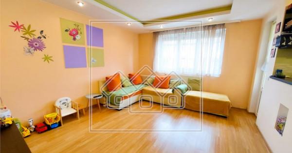 Apartament 3 camere - mobilat utilat | Zona Rahovei, Supec