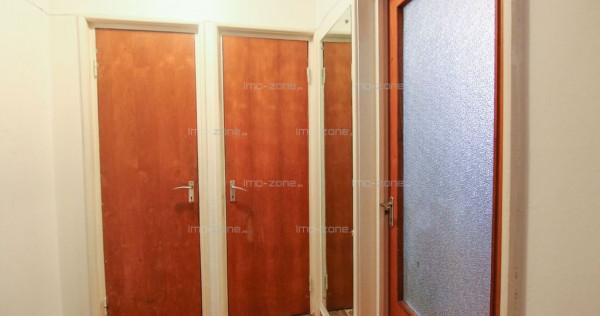 INCHIRIAZA ACUM!!! Apartament de 3 camere mobilat si util...