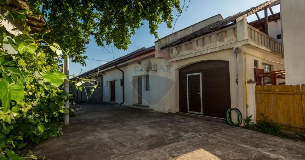 Casă / Vilă cu 6 camere de vânzare în zona Central