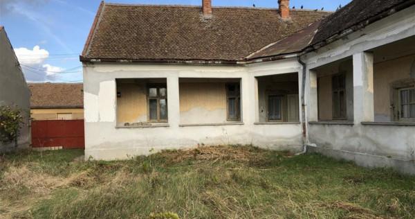 Casa santana (Arad) mp 240 + pamant mp 1800 super acte la zi