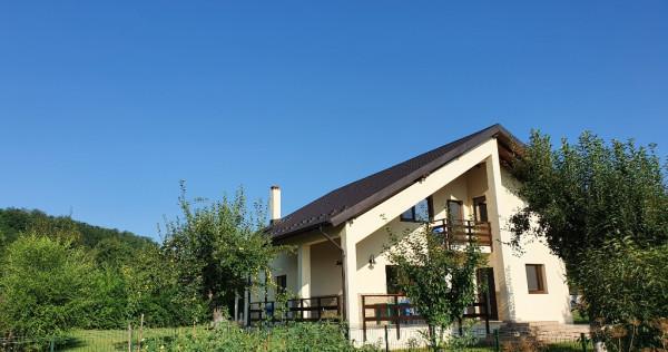 Casa (200 mp) + teren (1400 mp) Glambocelu