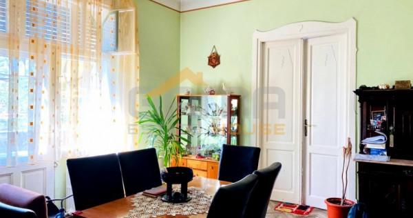 Apartament la casa, 3 camere, 109 mp, zona Centrala