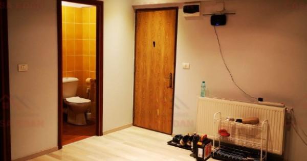 Apartament de lux, in Sinaia, 4 camere,3 bai, terasa,117 mp!